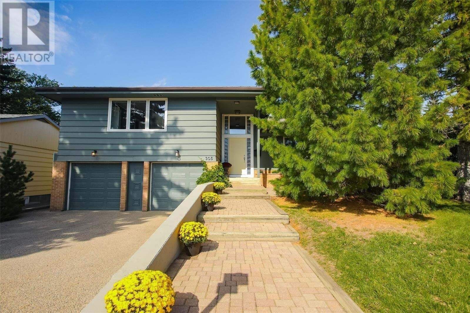 House for sale at 305 Garrison Cres Saskatoon Saskatchewan - MLS: SK826489