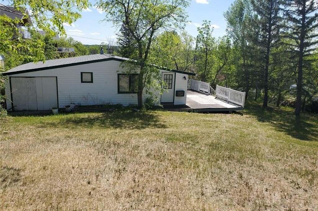House for sale at 305 Grove Ave Saskatchewan Beach Saskatchewan - MLS: SK812963