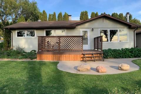 House for sale at 305 Halifax St N Regina Saskatchewan - MLS: SK786814