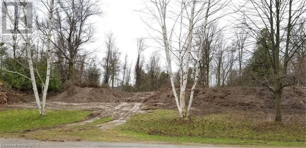 Residential property for sale at 305 Hunt Club Dr Huron-kinloss Ontario - MLS: 240303