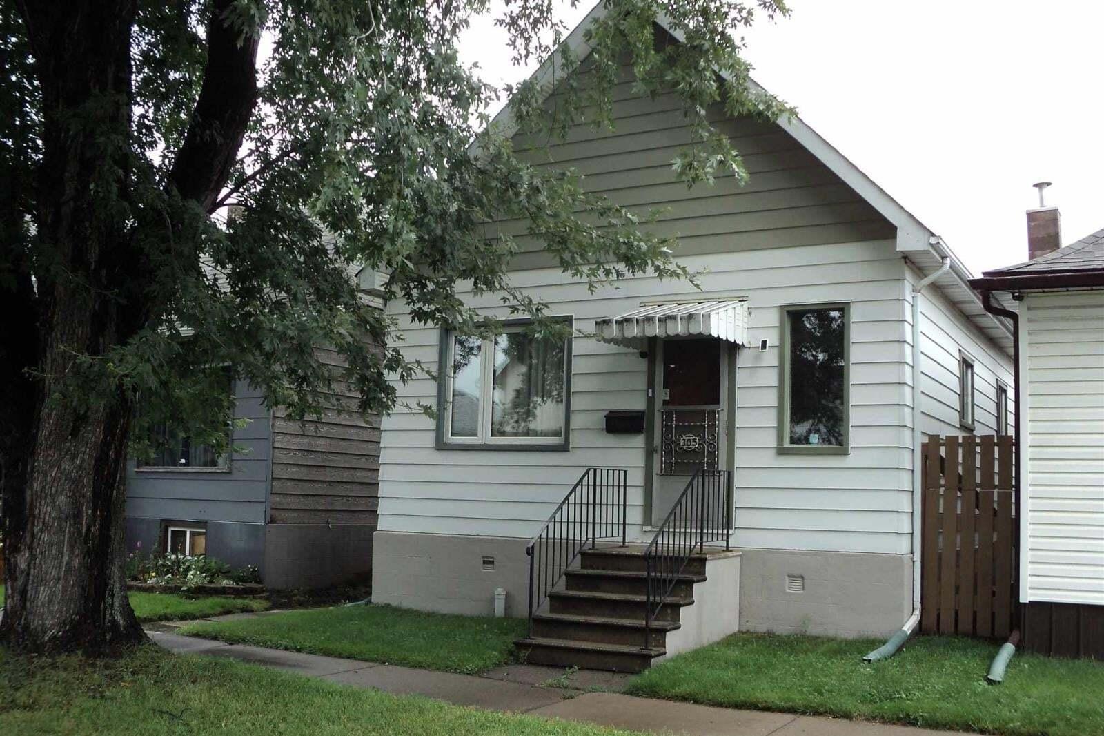 House for sale at 305 Ogden St Thunder Bay Ontario - MLS: TB201887