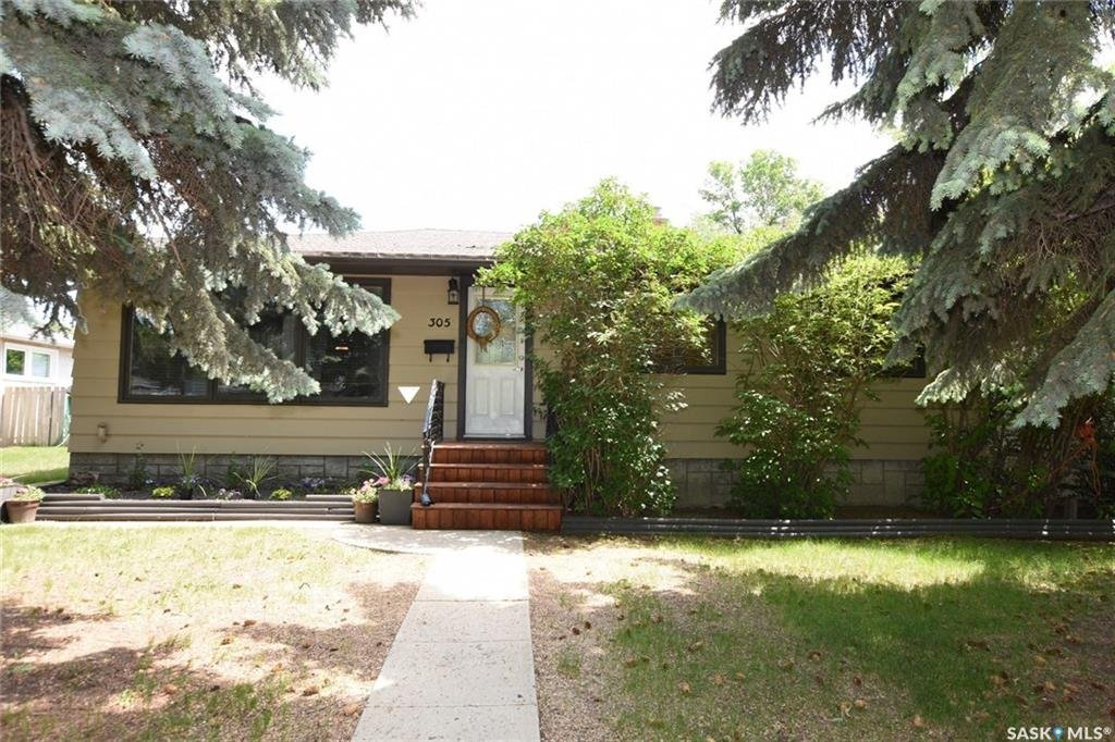 For Sale: 305 Rae Street, Regina, SK | 3 Bed, 2 Bath House for $269,900. See 27 photos!