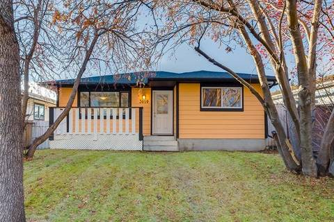 House for sale at 3050 28a St Southeast Calgary Alberta - MLS: C4275448