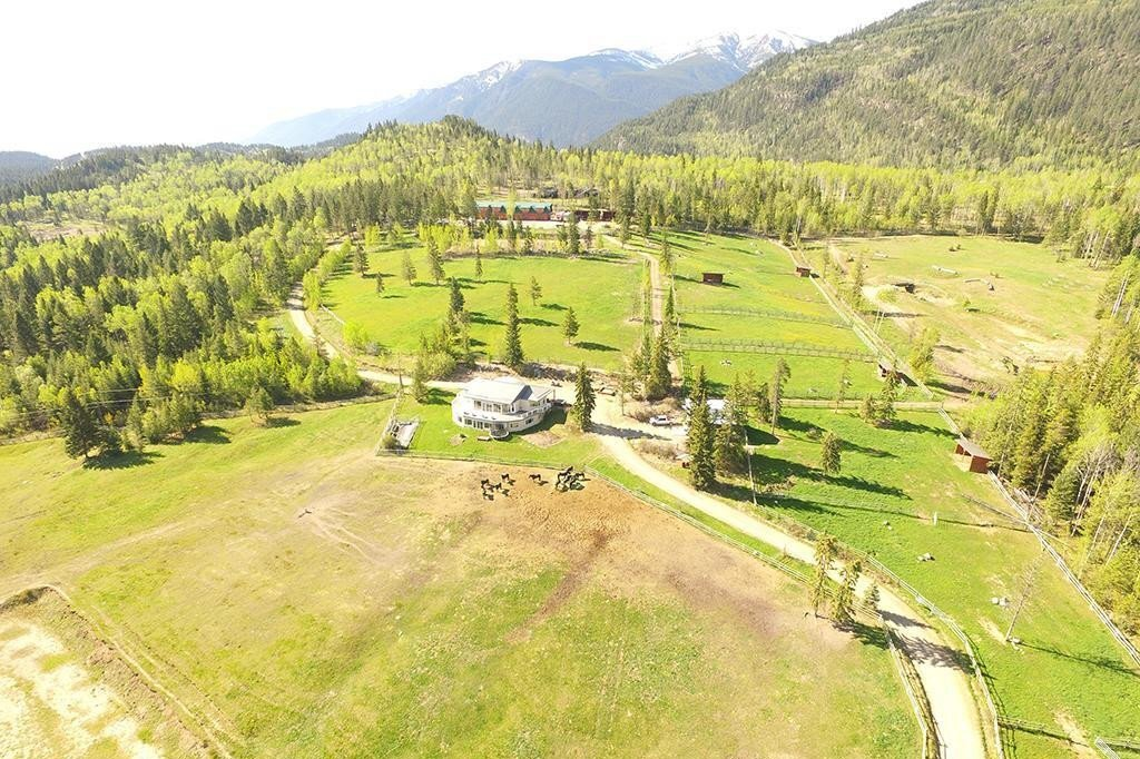 House for sale at 3054 Houlgrave Rd Invermere British Columbia - MLS: 2455457