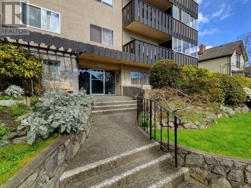 Condo for sale at 1000 Mcclure St Unit 306 Victoria British Columbia - MLS: 423195