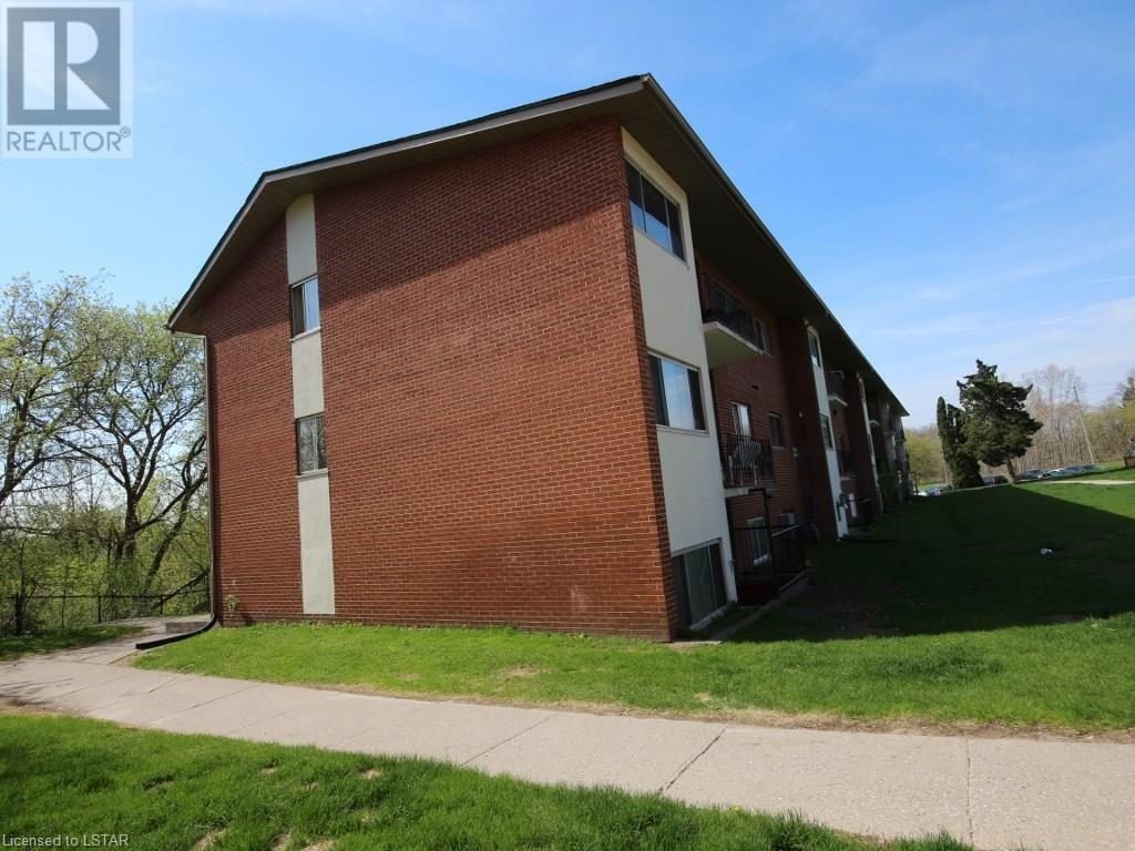 Buliding: 1174 Hamilton Road, London, ON