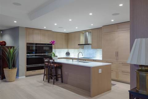 Condo for sale at 1355 Bellevue Ave Unit 306 West Vancouver British Columbia - MLS: R2432786
