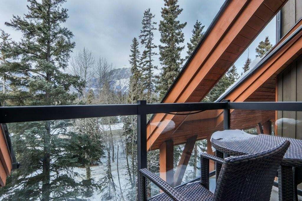 Condo for sale at 191 Kananaskis Wy Unit 306 Bow Valley Trail, Canmore Alberta - MLS: C4280837