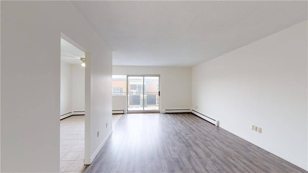 Condo for sale at 242 Oakdale Ave Unit 306 St. Catharines Ontario - MLS: 30783766