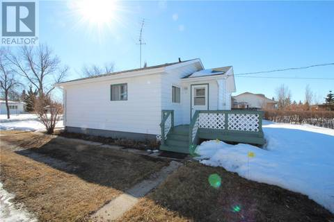 House for sale at 306 2nd St S Wakaw Saskatchewan - MLS: SK763379