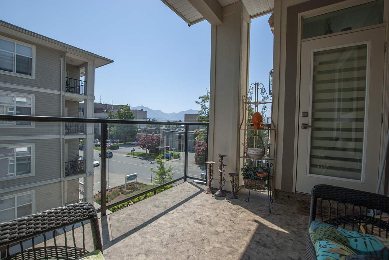 For Sale: 306 - 9130 Corbould Street, Chilliwack, BC | 1 Bed, 1 Bath Condo for $299,000. See 19 photos!