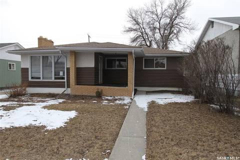 House for sale at 306 Elphinstone St Regina Saskatchewan - MLS: SK803352