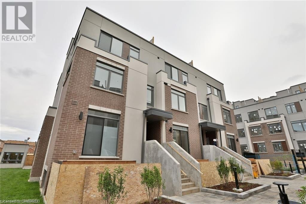 Townhouse for rent at 3066 Sixth Line Oakville Ontario - MLS: 40056395