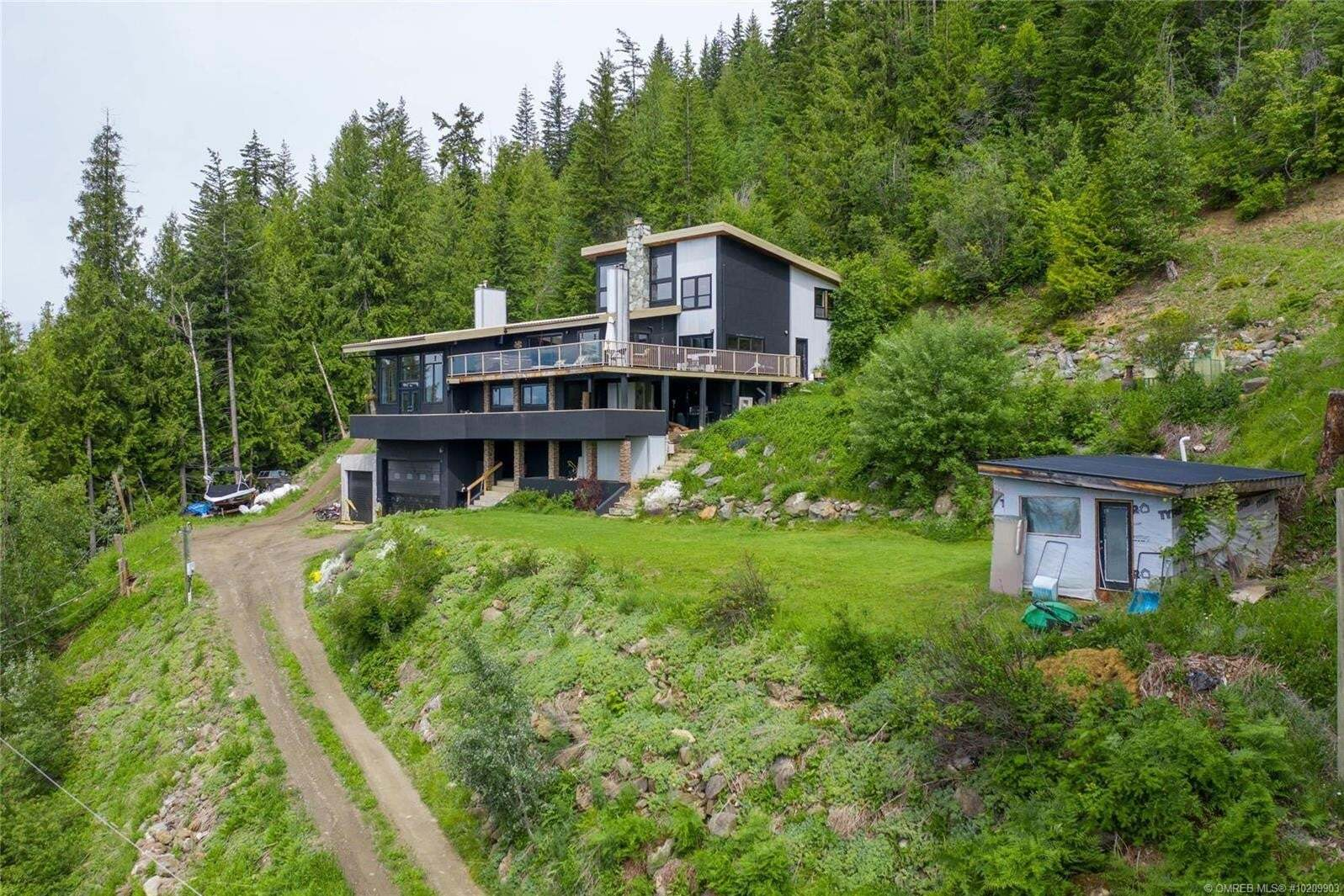 House for sale at 3066 Vickers Tr Anglemont British Columbia - MLS: 10209903
