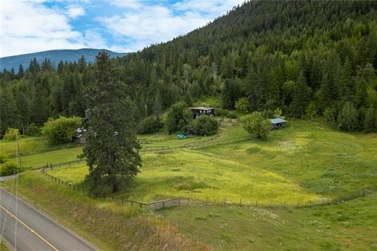 House for sale at 3068 Yankee Flats Rd Salmon Arm British Columbia - MLS: 10210430