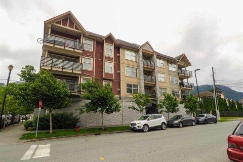 Condo for sale at 1310 Victoria St Unit 307 Squamish British Columbia - MLS: R2465239