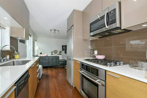 Condo for sale at 1808 3rd Ave W Unit 307 Vancouver British Columbia - MLS: R2382220