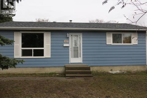 House for sale at 307 3rd St N Nipawin Saskatchewan - MLS: SK772435