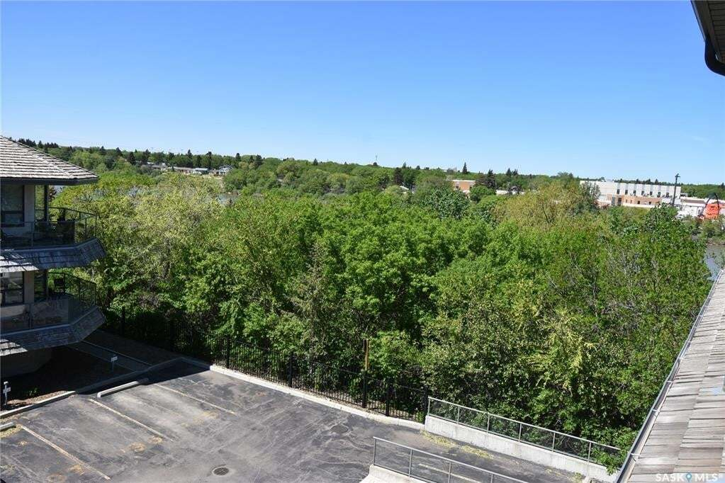 Condo for sale at 615 Saskatchewan Cres W Unit 307 Saskatoon Saskatchewan - MLS: SK810462