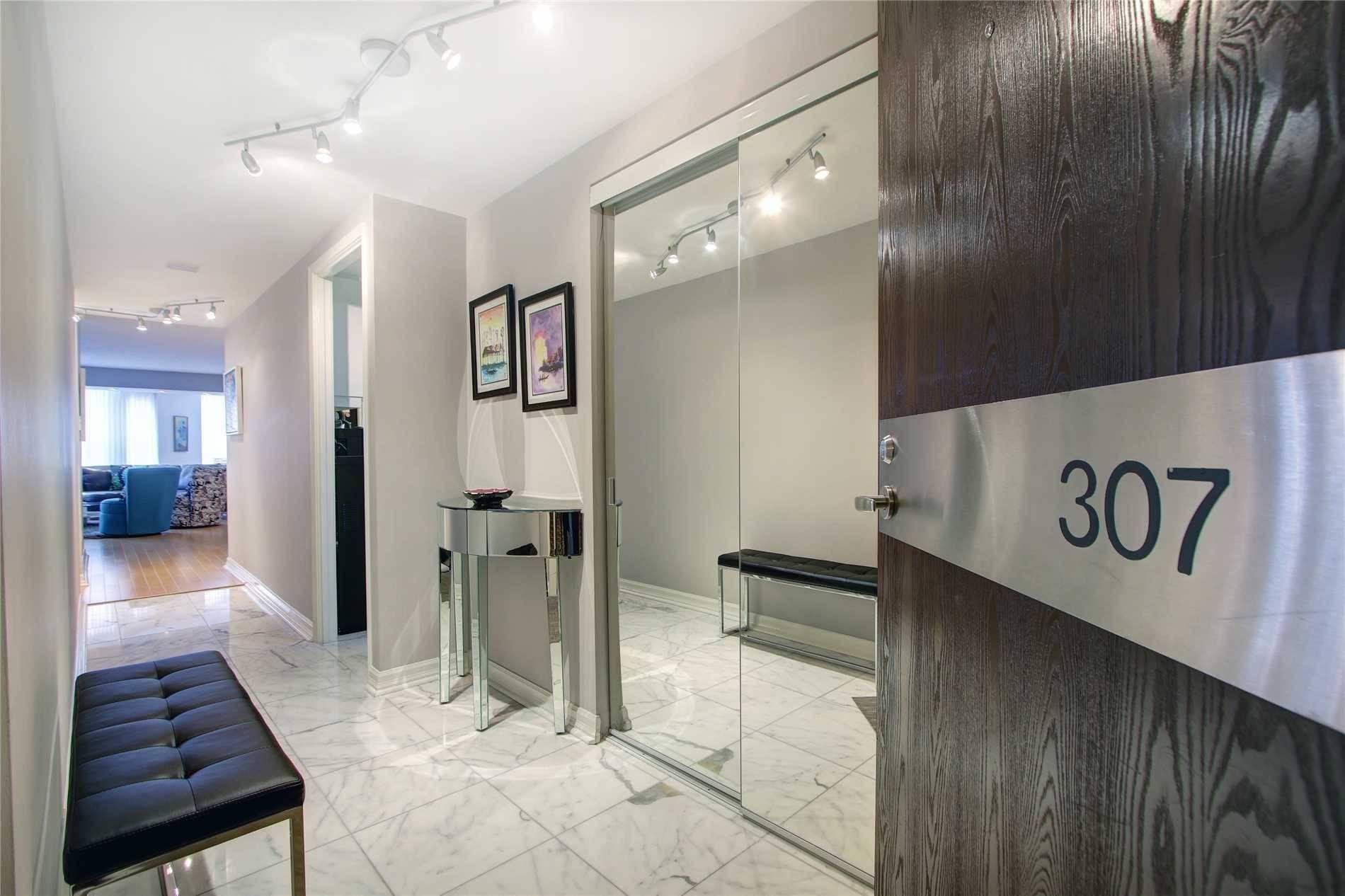 Condo for sale at 717 Bay St Unit 307 Toronto Ontario - MLS: C4578928