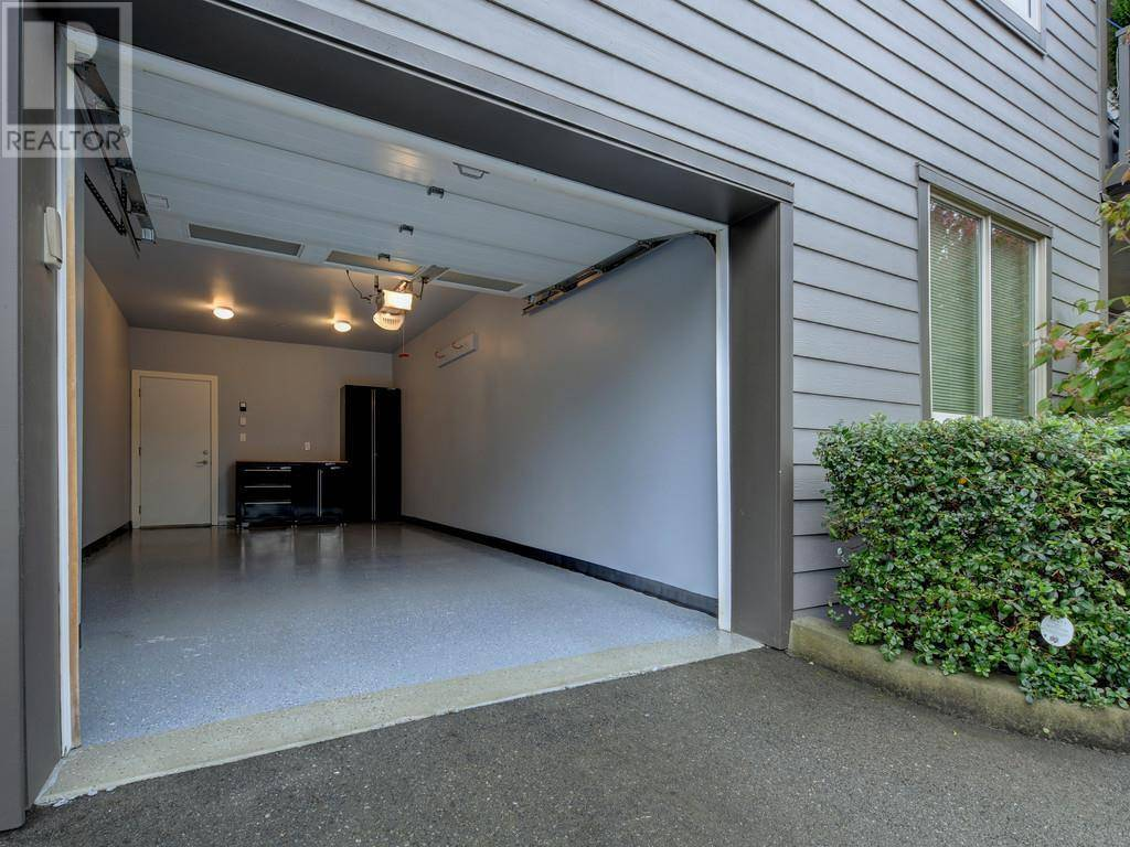 Condo for sale at 769 Arncote Ave Unit 307 Victoria British Columbia - MLS: 417048
