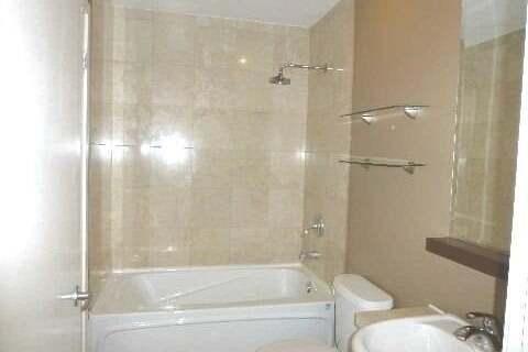 Apartment for rent at 8 York St Unit 307 Toronto Ontario - MLS: C4935269