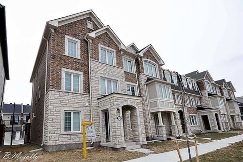 Townhouse for sale at 3072 Harebell Gt Oakville Ontario - MLS: W4376849