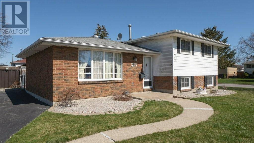 House for sale at 3077 Downing  Windsor Ontario - MLS: 20004040
