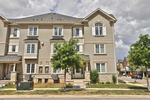 Townhouse for sale at 3079 Cashmere Gdns Oakville Ontario - MLS: W4829874