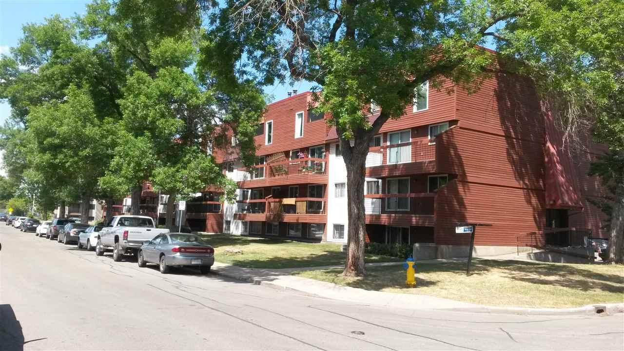 Buliding: 10555 93 Street, Edmonton, AB