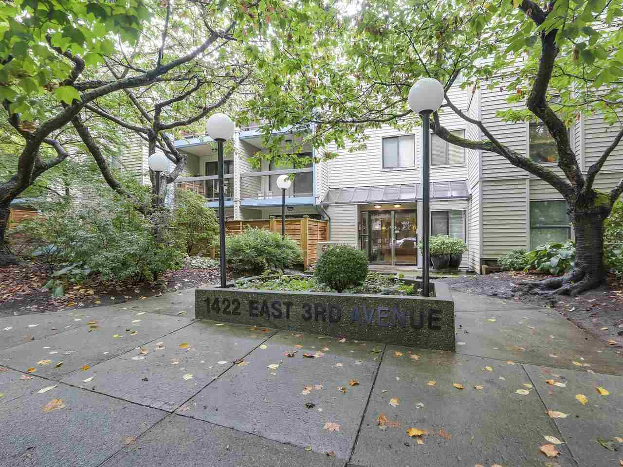 Buliding: 1422 East 3rd Avenue, Vancouver, BC