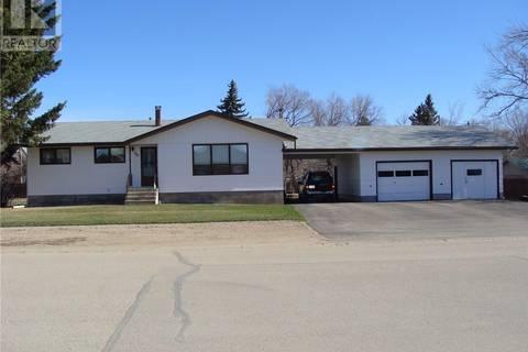 House for sale at 308 2nd Ave E Watrous Saskatchewan - MLS: SK767817