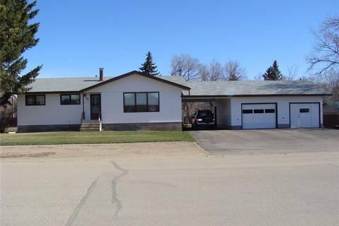 House for sale at 308 2nd Ave E Watrous Saskatchewan - MLS: SK799111