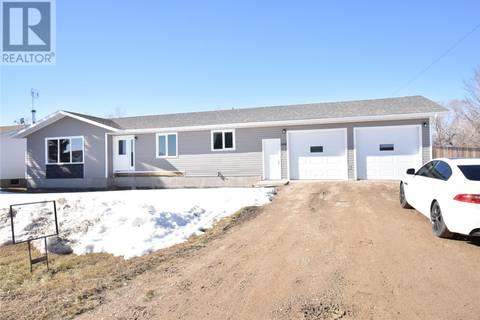 House for sale at 308 2nd Ave Hanley Saskatchewan - MLS: SK763257
