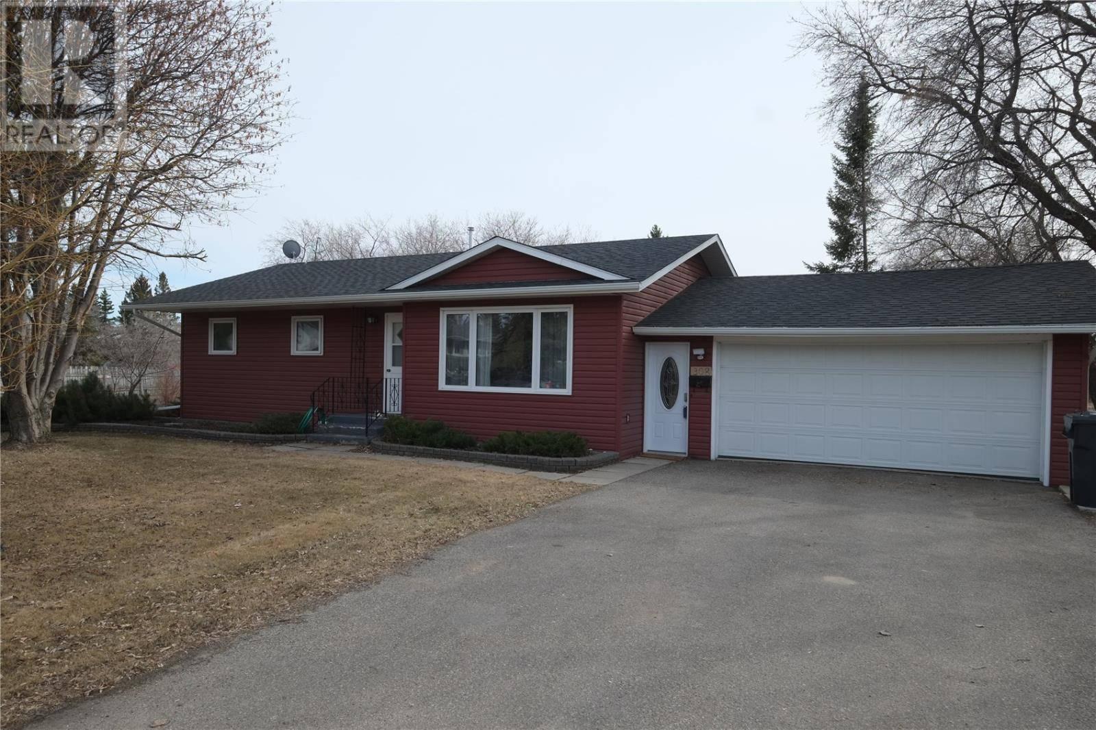House for sale at 308 2nd St S Waldheim Saskatchewan - MLS: SK767670