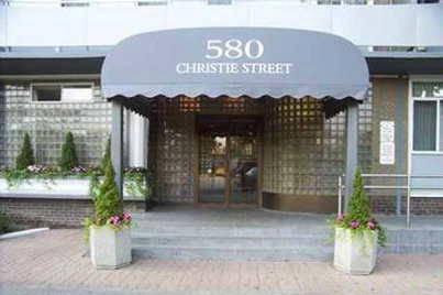 Buliding: 580 Christie Street, Toronto, ON