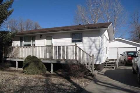 House for sale at 308 Government Rd SE Weyburn Saskatchewan - MLS: SK802888