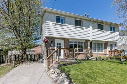 Townhouse for sale at 308 Oakwood Ct Newmarket Ontario - MLS: N4545334