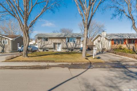 House for sale at 308 Tremaine Ave Regina Saskatchewan - MLS: SK802965
