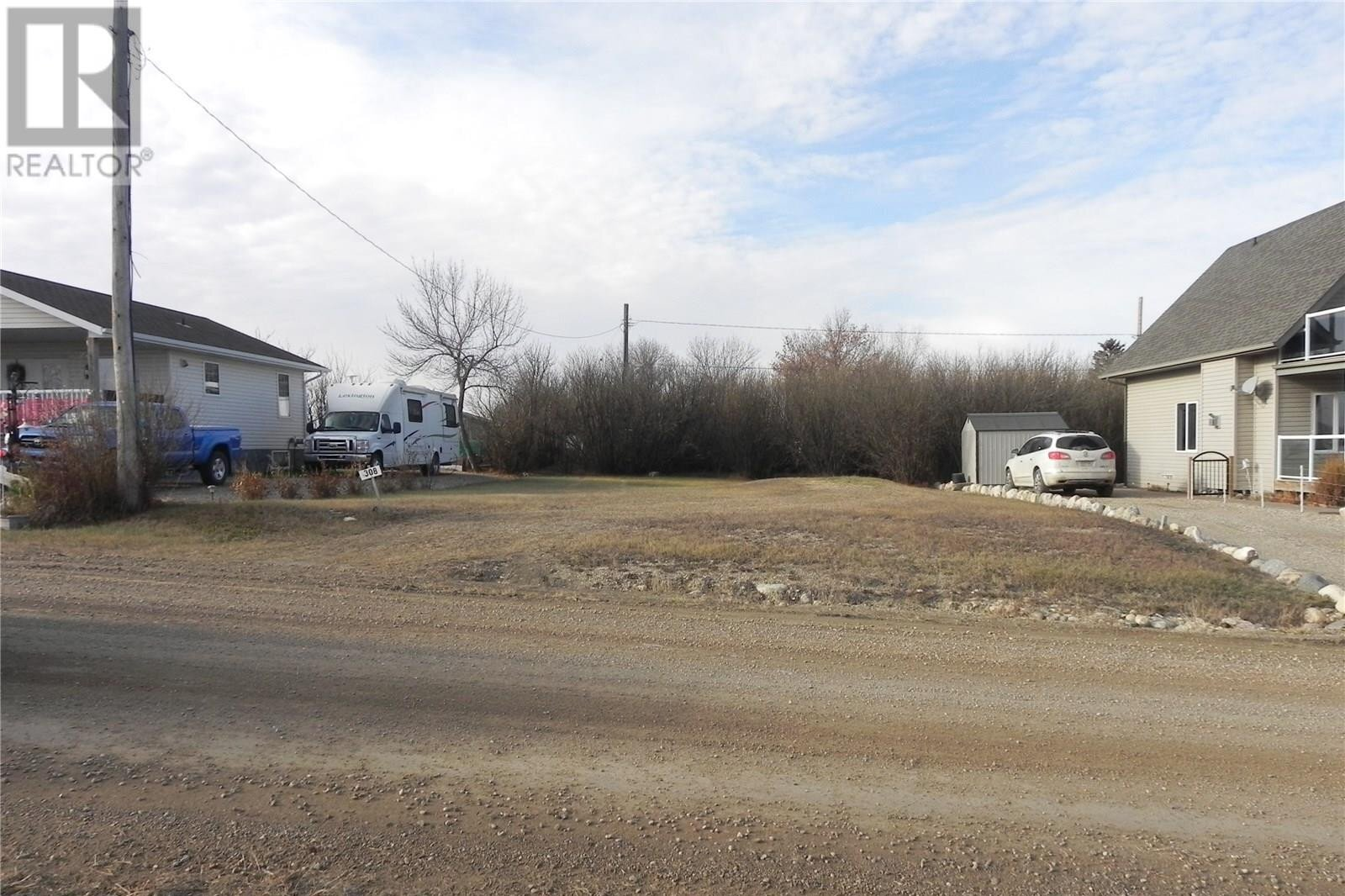 Residential property for sale at 308 William St Manitou Beach Saskatchewan - MLS: SK833407