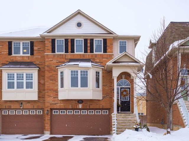 For Sale: 3083 Highvalley Drive, Oakville, ON | 4 Bed, 3 Bath Townhouse for $800,000. See 20 photos!