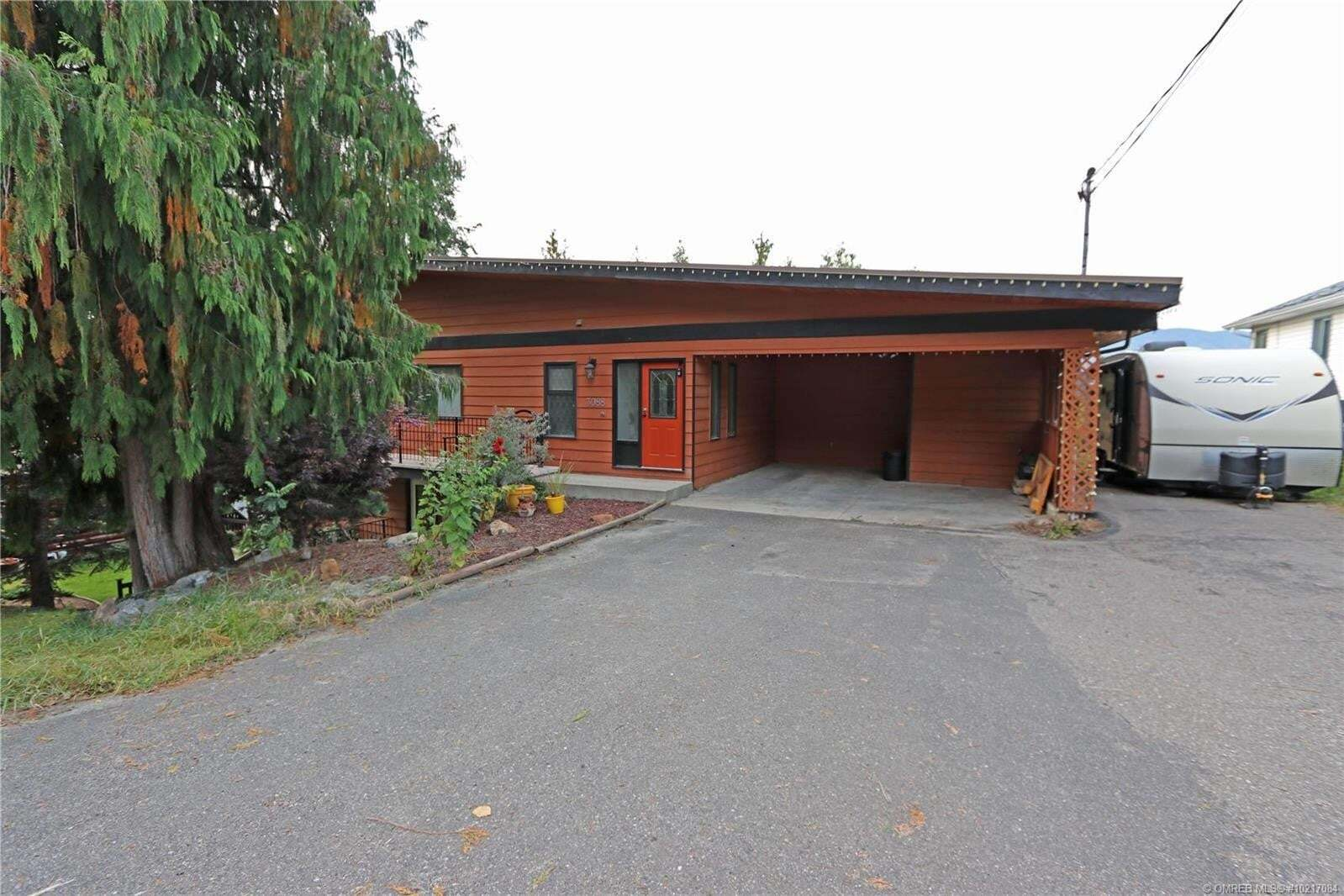 House for sale at 3088 Cedar Dr Sorrento British Columbia - MLS: 10217084