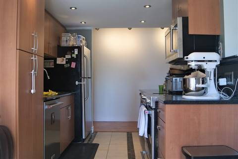 Condo for sale at 410 Agnes St Unit 309 New Westminster British Columbia - MLS: R2399952