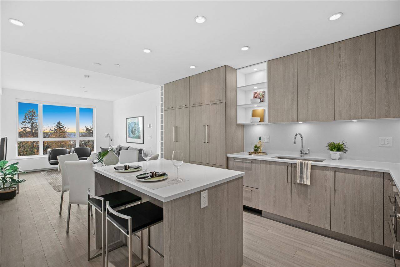 Buliding: 707 East 3rd Street, North Vancouver, BC
