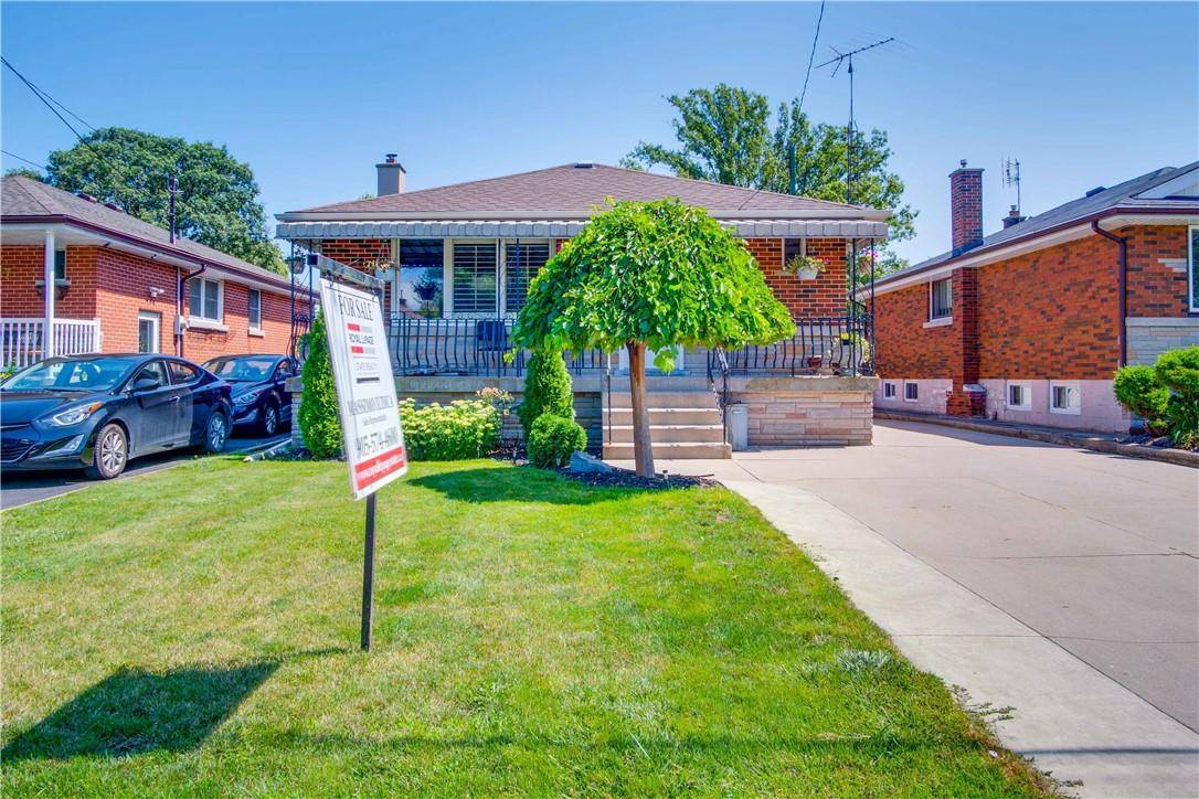 House for sale at 309 42nd St East Hamilton Ontario - MLS: H4061473