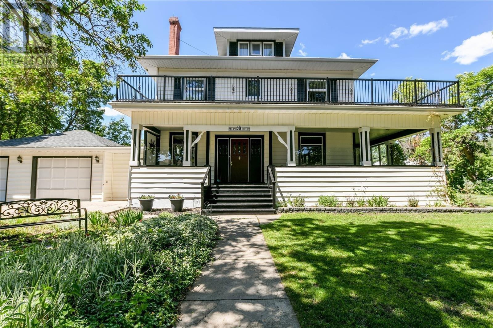 House for sale at 309 Marsh St Maple Creek Saskatchewan - MLS: SK818758