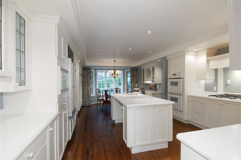 30 Spencer Drive, West Vancouver | Image 2
