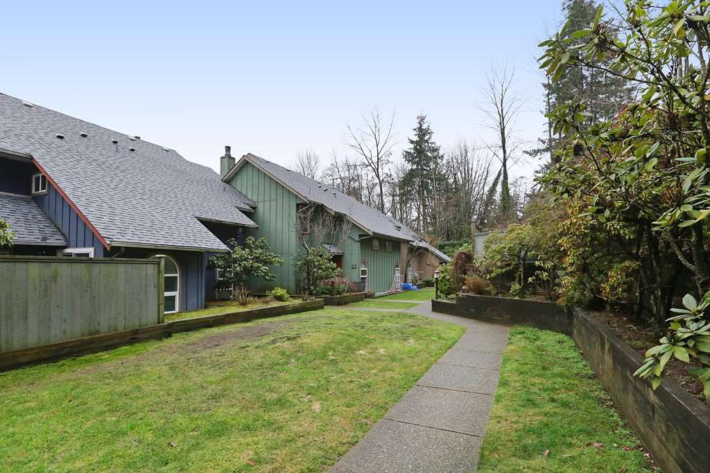 Buliding: 900 West 17th Street, North Vancouver, BC
