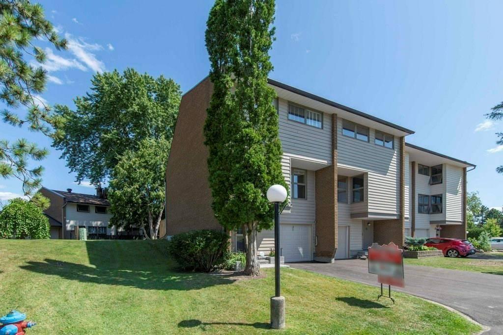 Townhouse for sale at 31 Carmichael Ct Kanata Ontario - MLS: 1165673