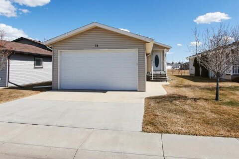 House for sale at 31 Chartwell Pl SE Medicine Hat Alberta - MLS: A1020478